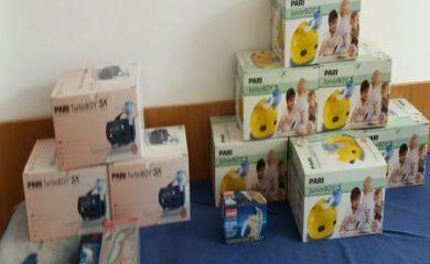 Ученици дариха инхалатори, термометри и чаршафи на Детското отделение в смолянската болница