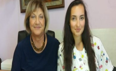 17-годишната Мария Малецова стана първият доброволец в смолянската болница