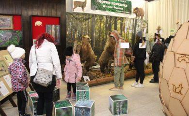 Стотици туристи посетиха емблематични забележителности в Смолян