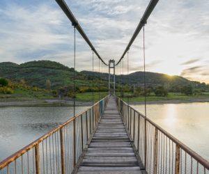 Най-дългият въжен мост в България се намира в Родопите
