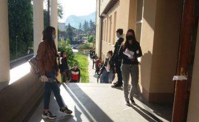 588 ученици се явиха на втора матура в Смолянско