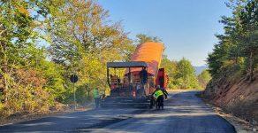 Асфалтират пътя Оряховец-Давидково в Община Баните