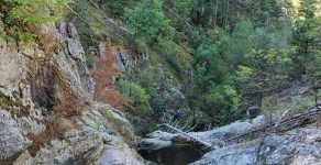 """Природната забележителност """"Бездънник"""" край Неделино вече е достъпна за туристи"""